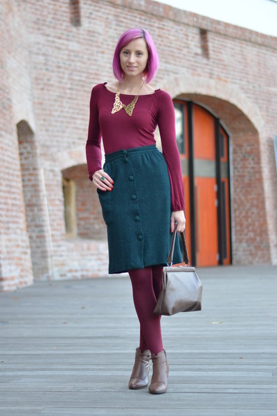 brown-amanda-boots-magenta-thrifted-shirt-maroon-mondex-tights_400