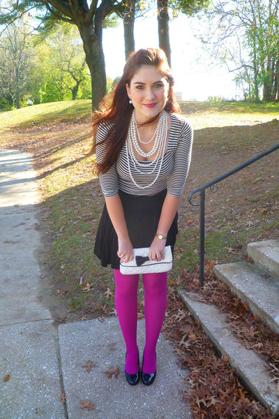 magenta-tights-black-liz-claiborne-purse-white-poof-top-black-h-m-skirt-_400